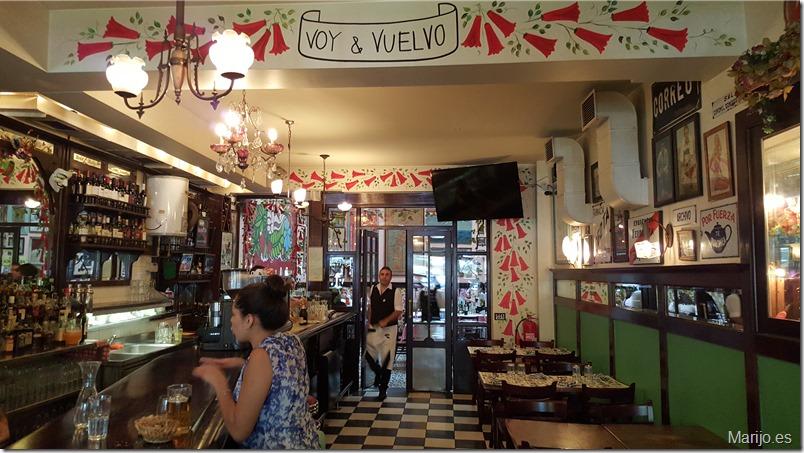 La barra del Bar Liguria - Vinos y bares en Santiago de Chile
